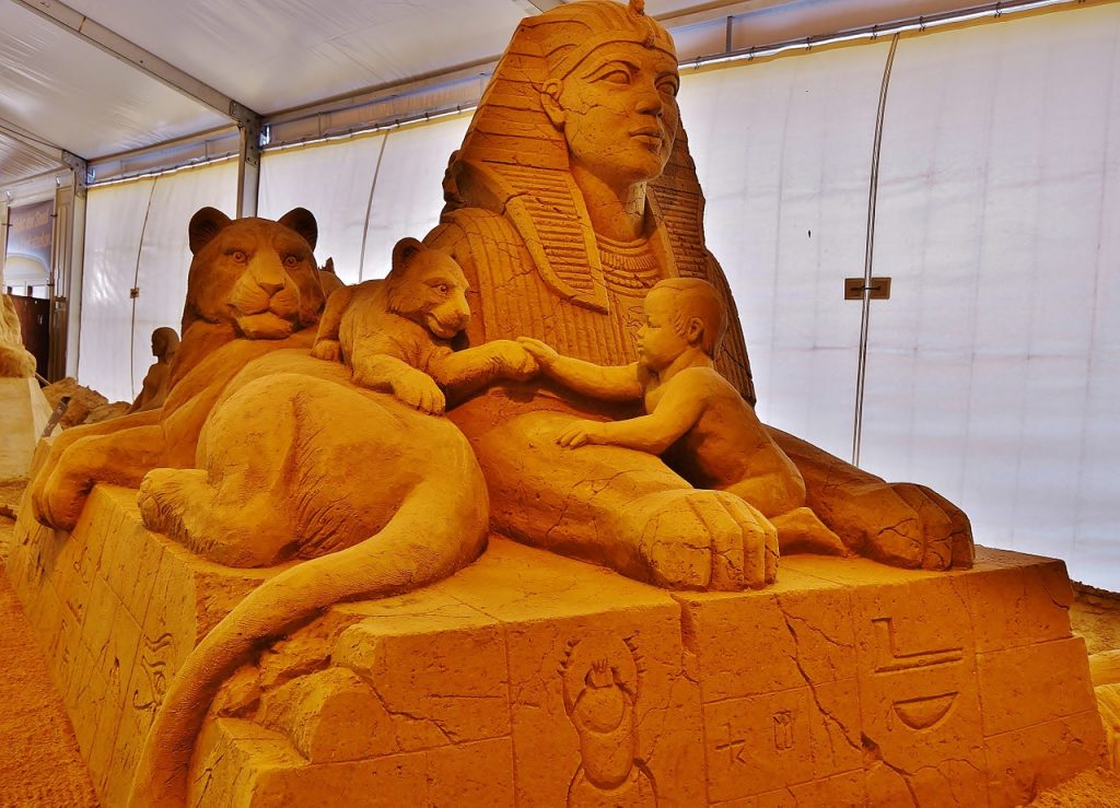 sand sculpture, models, artwork