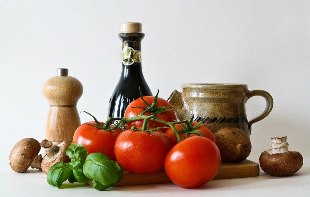 tomatoes, basil, mushrooms